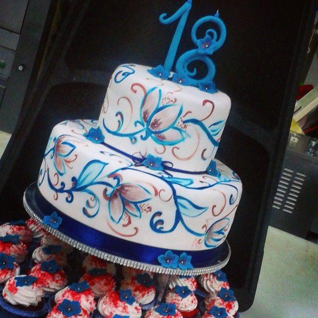 Buon compleanno torta della pasticceria la mimosa for Torte per 18 anni maschile