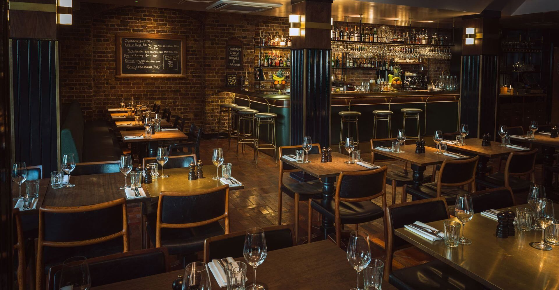 #Hawksmoor Spitalfields #London #Europe #UnitedKingdom #Restaurants #travel #travelblogger #travelgram #travelguide #travels #travelling #travelblog #traveladdict #traveladikkt #beautifuldestinations #bucketlist #luxury #luxurylifestyle #luxurytravel #luxurydestinations #lifestyle #lifestyleblogger #beautifulplaces #beautifulplace #beautiful #beautifuldestination