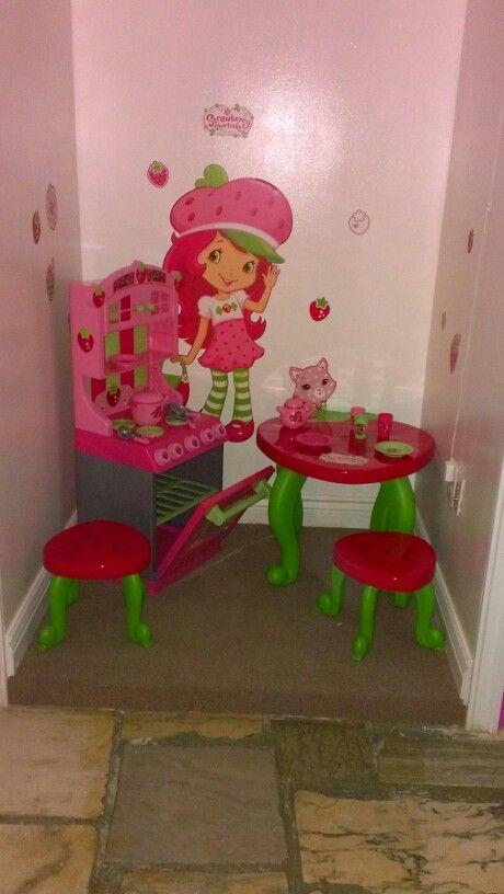 Strawberry Shortcake Themed Bedroom Disney Themed Rooms Girls