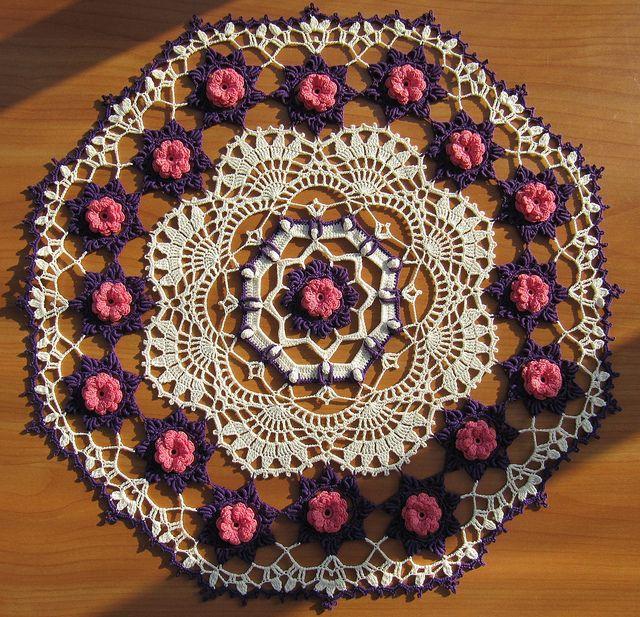 Josephine Rose by Kathryn White   Manteles tejidos, Carpetas crochet ...