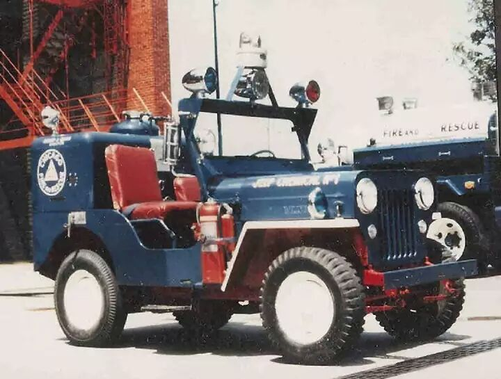 Usa Chicago Fire Department Fire Trucks Rescue Vehicles
