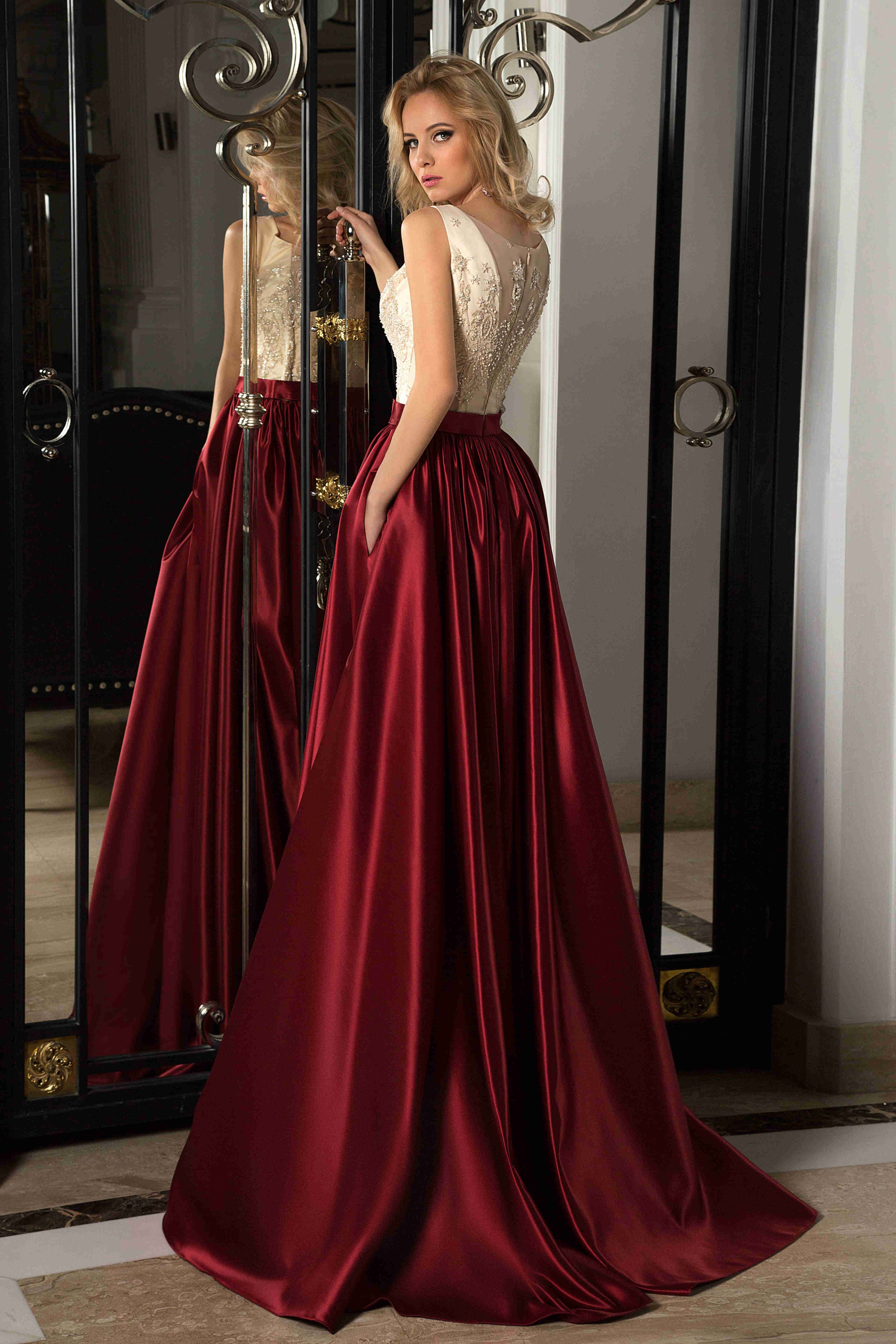 Aline lace sleeveless scoop long satin prom dress with illusion