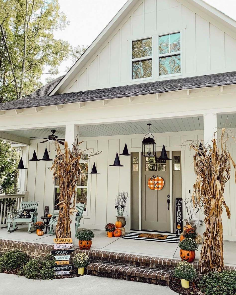 18 Last-Minute DIY Halloween Decorations For A Spooky Outdoors