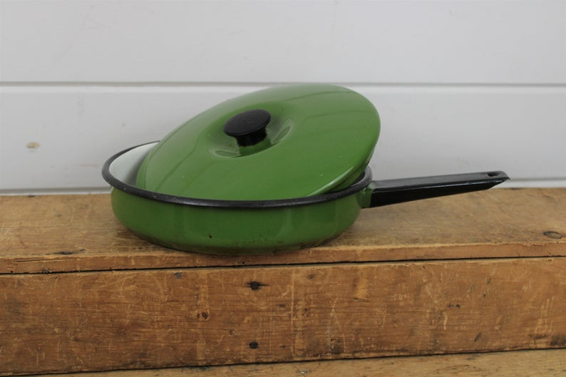 Vintage Dark Green Enamel Frying Pan with Matching Lid, Enamelware Cooking Pan with Handle #darkgreenkitchen