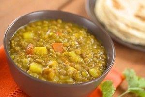 Recette dal (ou dhal) aux épices et lait de coco ! Grand classique de la cuisine Indienne ! J'ai rajoutée des arachides hachées , essayer avec patate sucrée la prochaine fois !