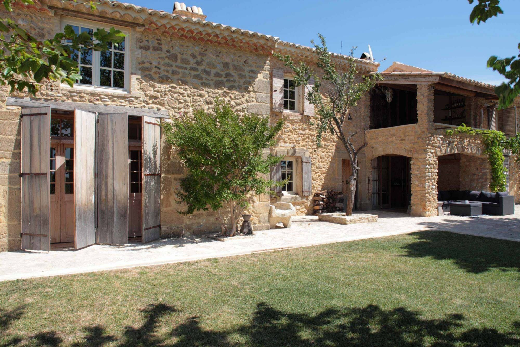Afficher l 39 image d 39 origine maison cevennes pinterest for Mas provencal a renover