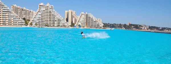 la plus grande piscine du monde, à algarrobo