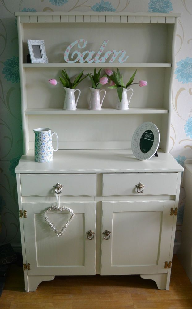 This Gorgeous Shabby Chic Dresser Will Liven Up Any Living Room, Especially  When The Accessories Are This Adorable!