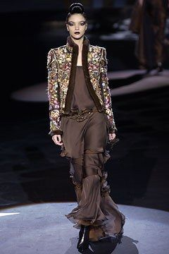 Valentino Fall 2002 Couture Fashion Show - Valentino Garavani, Mariacarla Boscono (Viva)