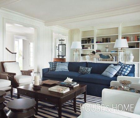 Tour A Farmhouse-Inspired Family Room \ Kitchen Weiss - wohnzimmer weis blau