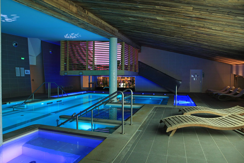 Spa piscine courchevel bienetre detente courchevel for Chevreuse piscine