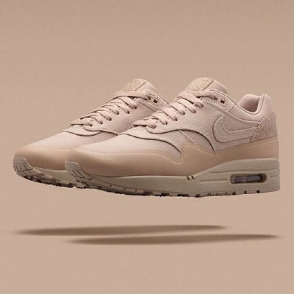 nike air max 1 patch beige wedges