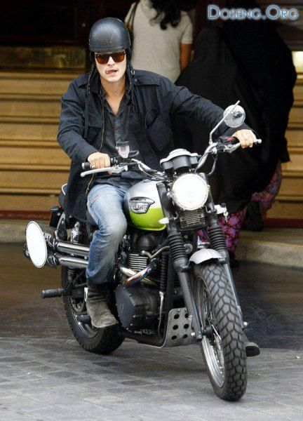 Photos of celebrities on motorcycles. Page 1