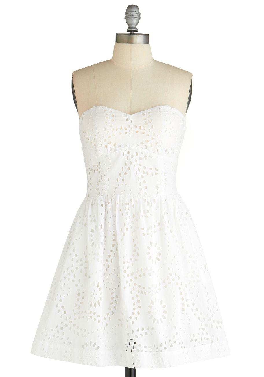 1000  images about Grad dresses on Pinterest  Cream dresses ...