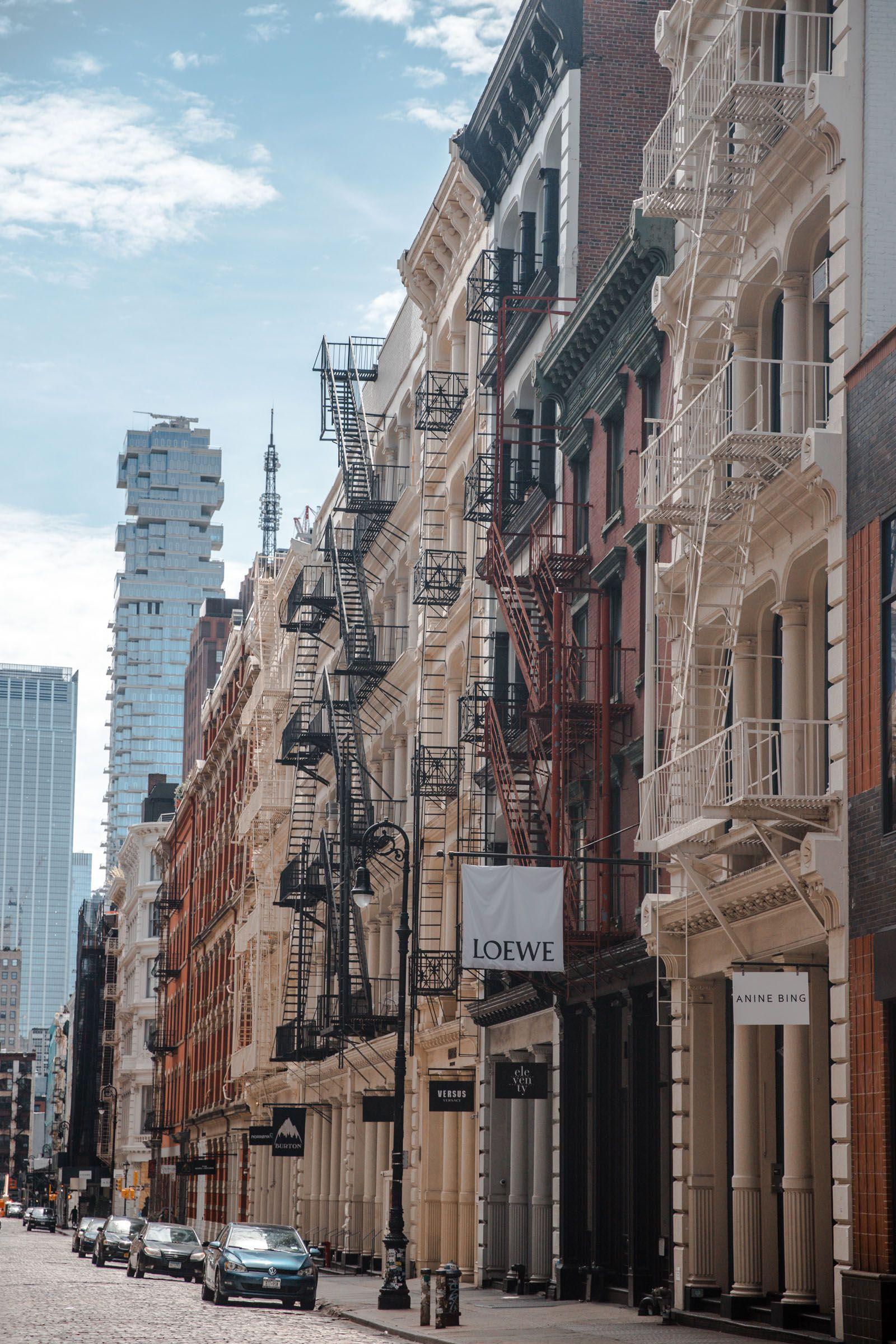 40 photos of NYC during Quarantine Showcasing what New York City looks like by neighborhood through this photography diary. New York Aesthetic. Soho NYC
