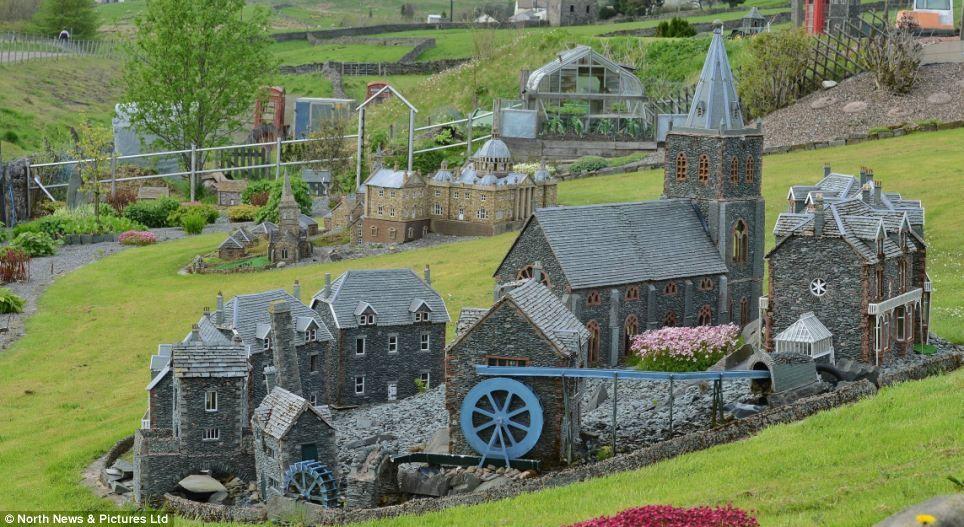 No job too small: Retired builder creates THREE delightful miniature ...