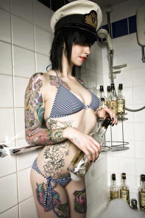 shower Suicide girls