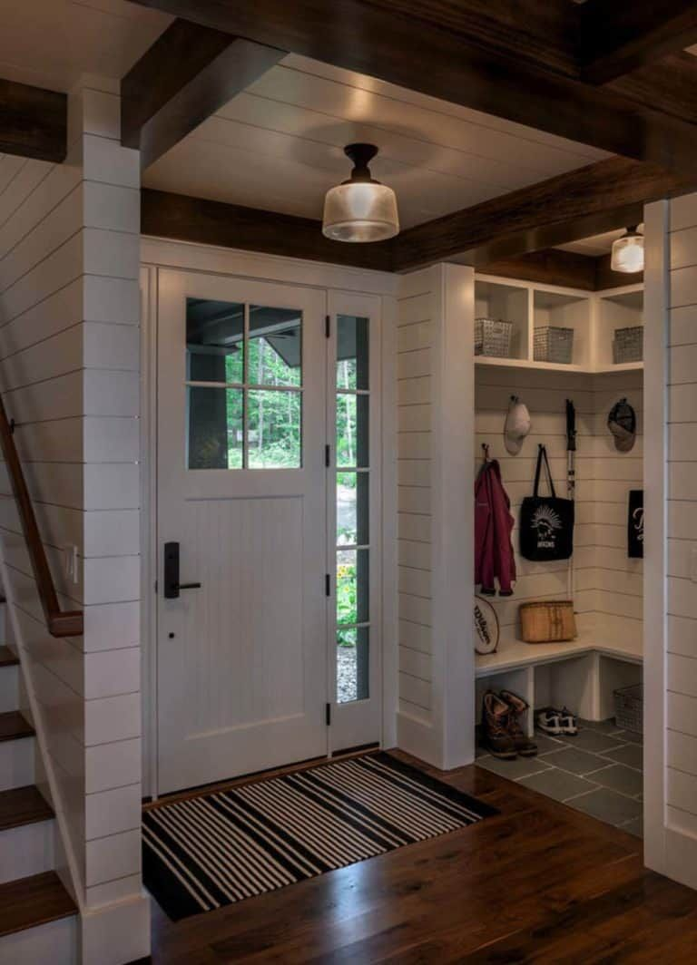 Beautiful New England Cabin Designed For Relaxing Lakeside Getaways In 2020 Home Renovation Home Remodeling Cabin Design