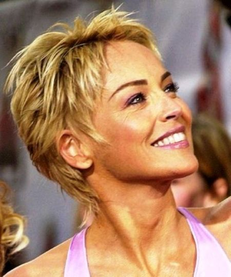 Bildergebnis Fur Sharon Stone Frisur Haarschnitt Kurz Promi Kurze Haare Haarschnitt