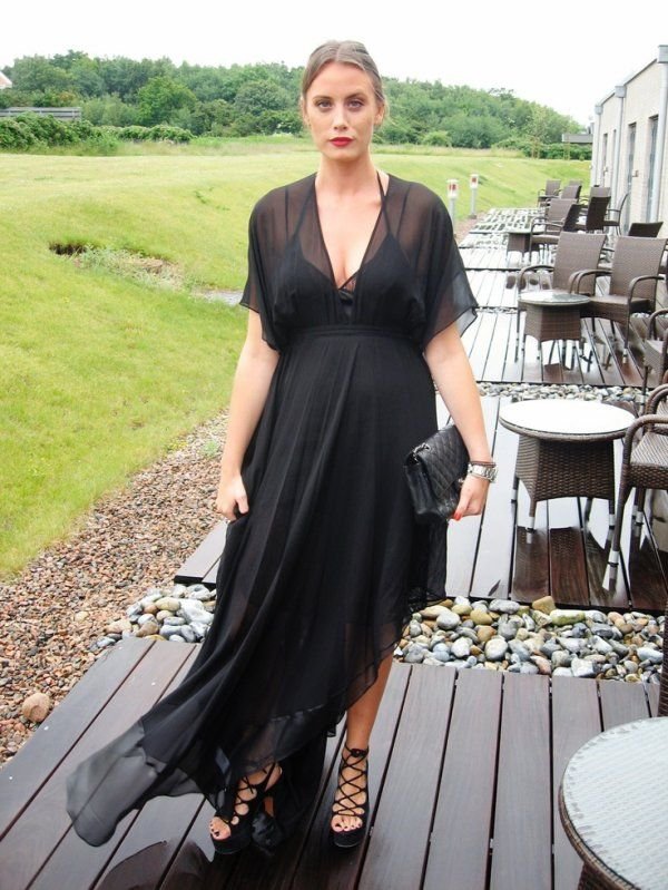 d150ed30af4a5 pregnant women black dress - Google Search   Holiday Party ...