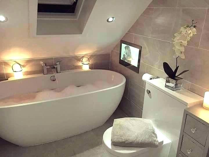 Luxury Bathrooms That Are Instant Classics Bathroom Layout Small Bathroom Remodel Gorgeous Bathroom