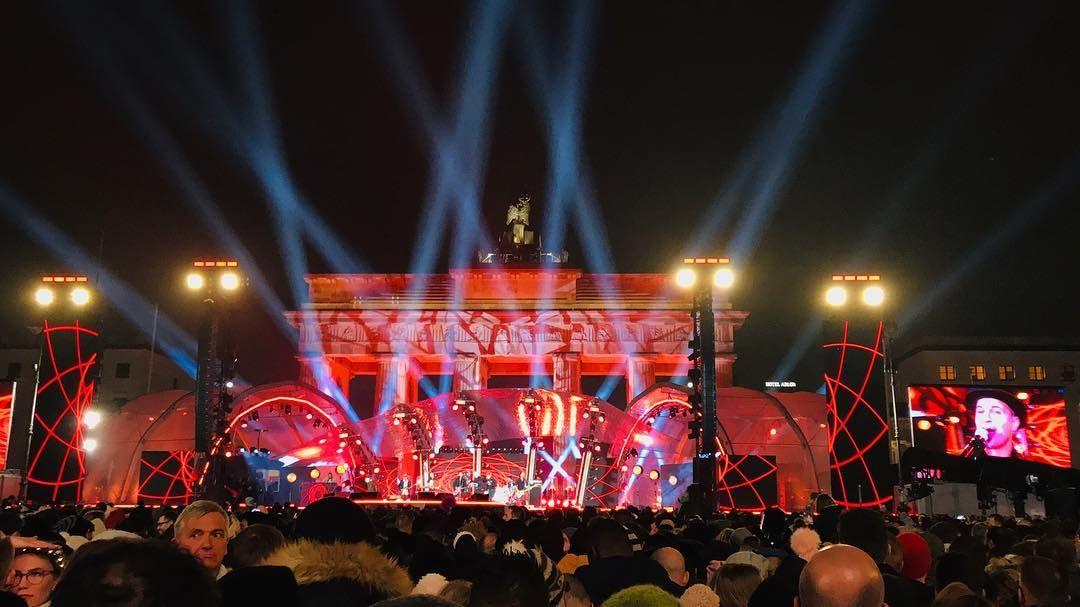 Das War Wirklich Eine Spektakulare Silvesternacht Am Brandenburger Tor Nebst Tollen Auftritten Z B Von Namika Djbobo Br Instagram Posts Instagram Concert