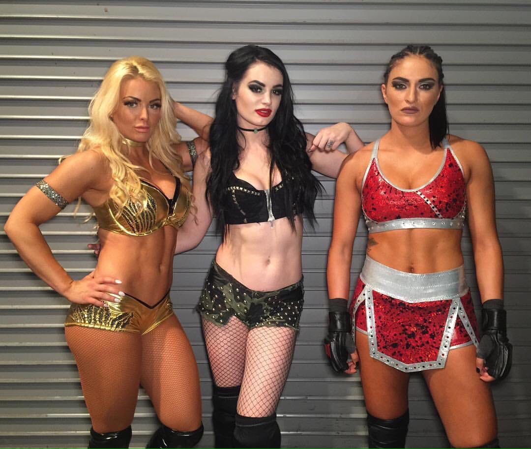Paige Sonya Deville I Think That S How You Spell It And Mandy Rose Wwe Girls Wwe Divas Paige Paige Wwe