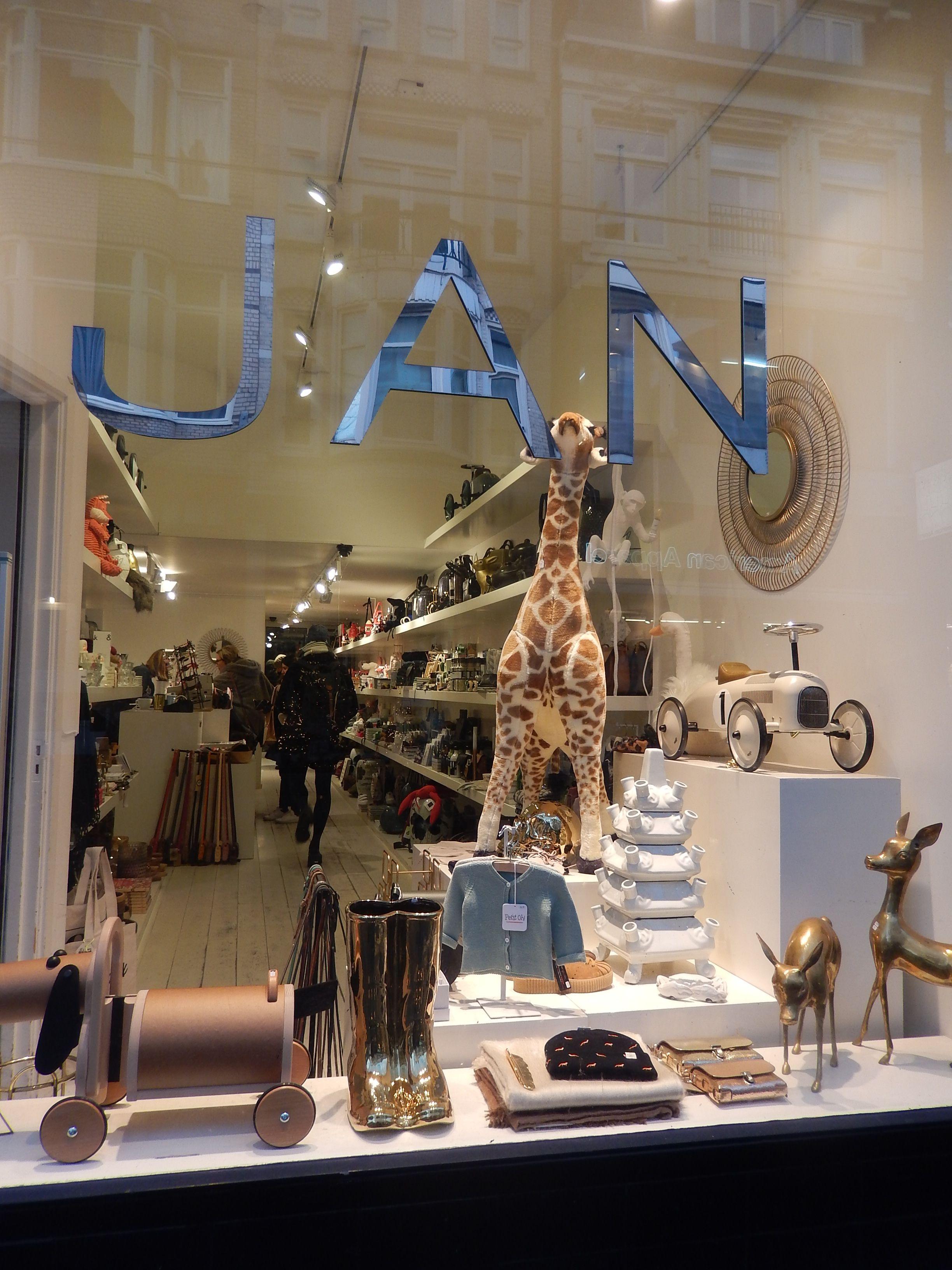 JAN - Utrechtsestraat 74, Amsterdam: zeer verscheiden assortiment van hippe en superleuke spullen voor mannen, vrouwen en kinderen