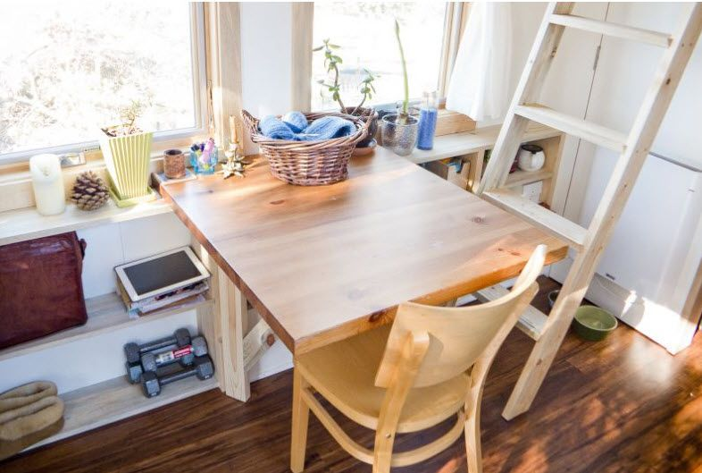 diseo de pequea casa rodante de madera fachada y diseo de interiores en poco espacio modelo de casa optimizar espacios para parejas cocina bao sala - Mesas De Comedor Pequeas