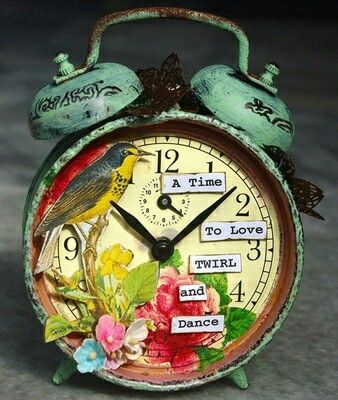 Antigue looking clock! The instructions on how to make also! So awesome!