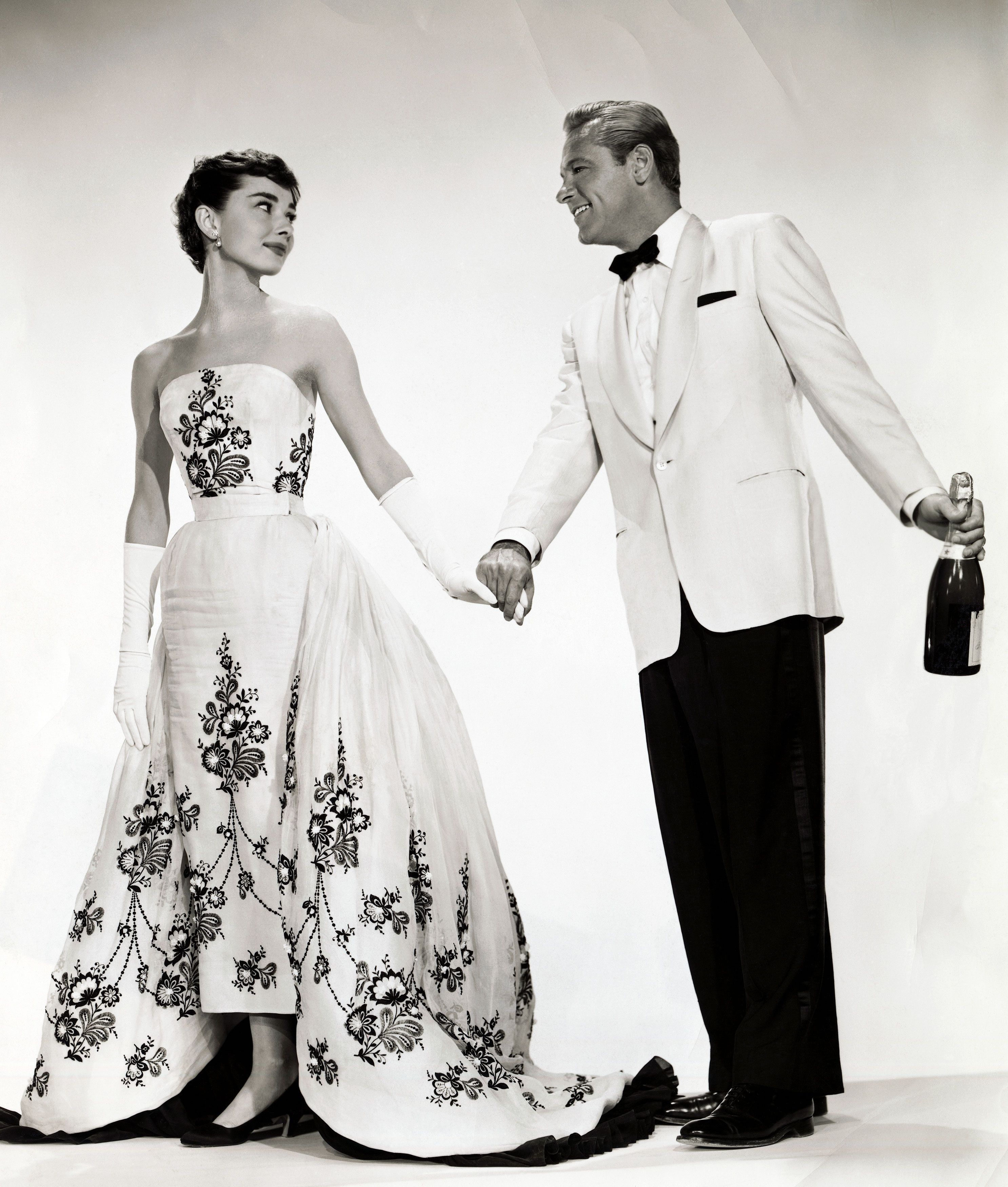 Iconic Audrey Hepburn Gown Is Going To Be Auctioned Iconic Dresses Sabrina Dress Givenchy Dress