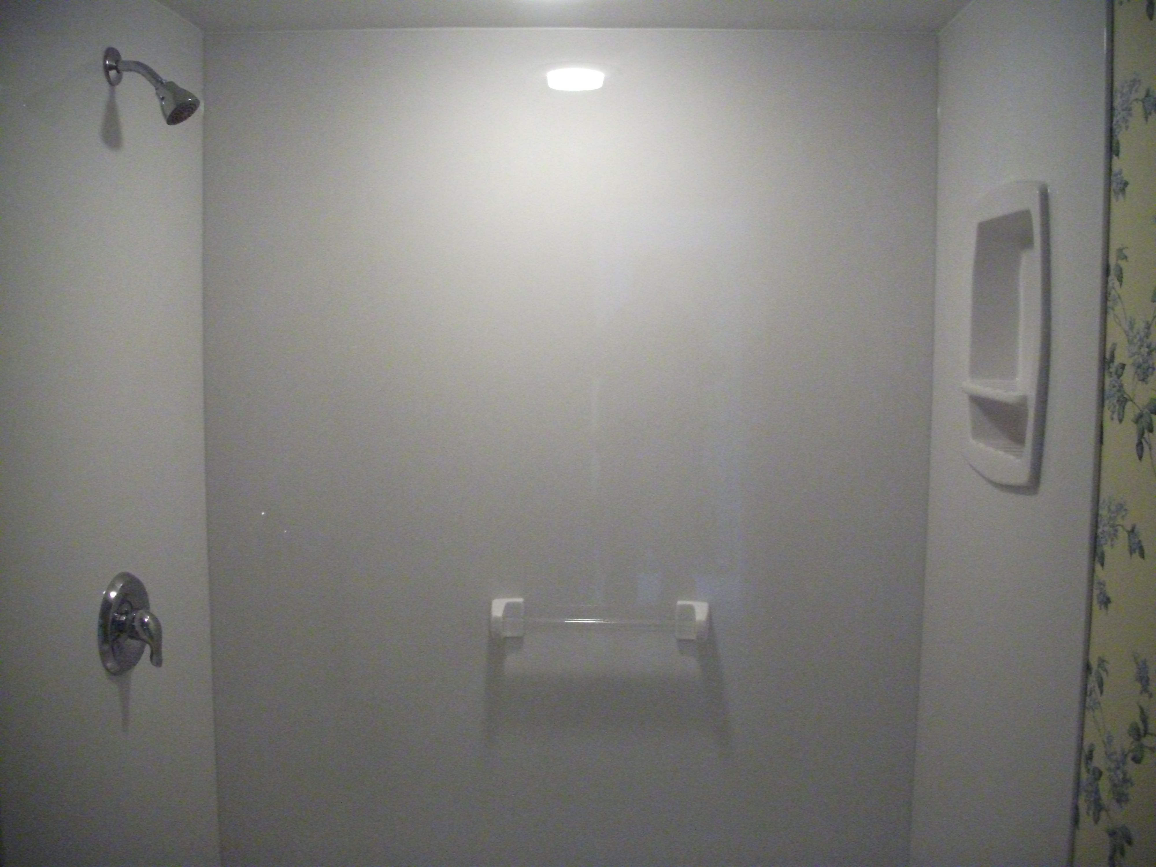 The Onyx Collection Shower Surround With Towel Bar And