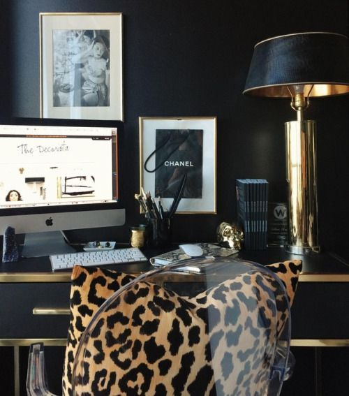 …i'm not big on patterns really but something about leopard print always makes me feel good. Talking about my favorite wild moments today on thedecorista.com