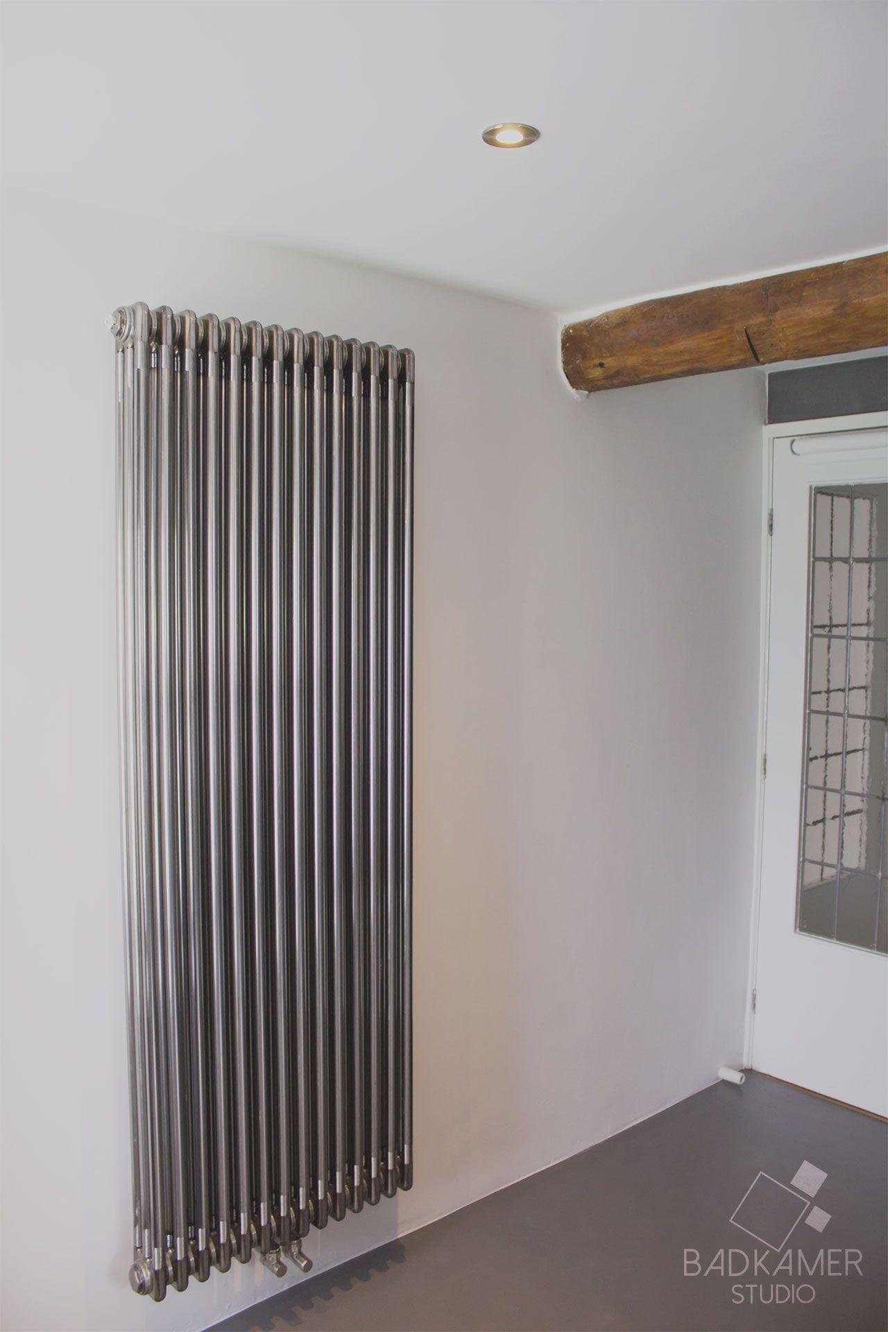 Moderne badkamer in Ulicoten met houten balk, instamat ...