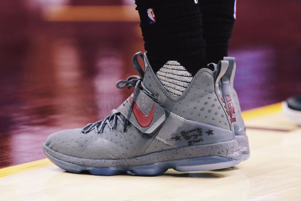 new concept c556d c23c2 ... LeBron James Debuts  Grey Burgundy  Nike LeBron 14 on Court - EU Kicks  ...