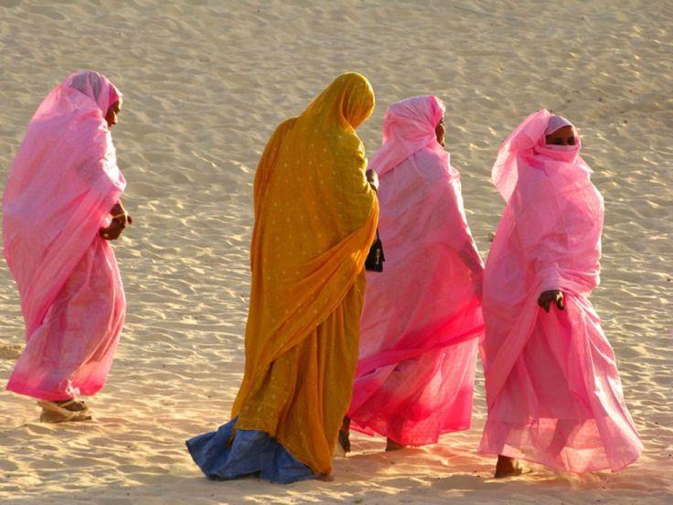 Tuareg tribe, Mauritania  those colors!