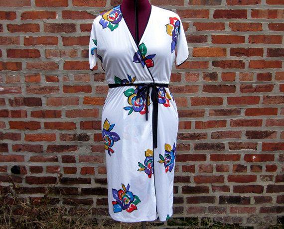 Vintage Floral Dress @ http://www.etsy.com/shop/FrequencyVintage