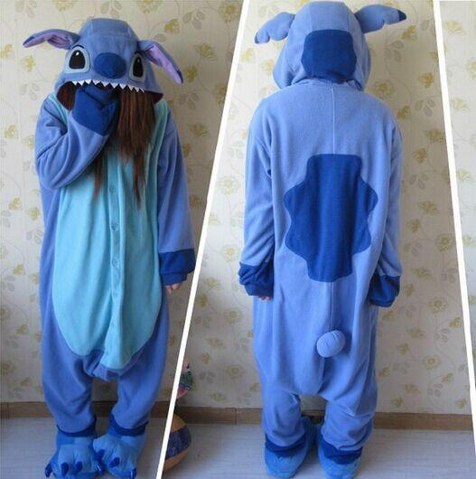c14af73299 Aliexpress.com  Comprar Diseñador kawaii Anime Animal Azul lilo Stitch  Pijamas Unisex Adulto Mujeres Hombres Onesie Polyester Polar Fleece ropa de  Dormir de ...