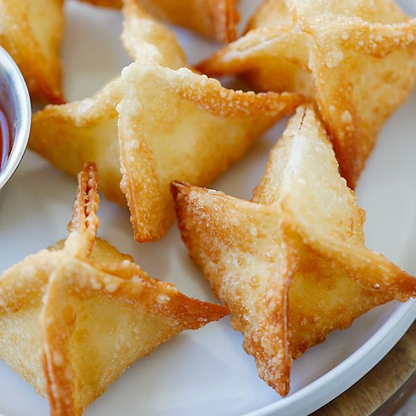 Crab rangoon cream cheese wontons chickenturkey pinterest the best easiest and super crispy crab rangoon or cream cheese wonton recipe ever quick fool proof and a zillion times better than chinese takeout forumfinder Choice Image