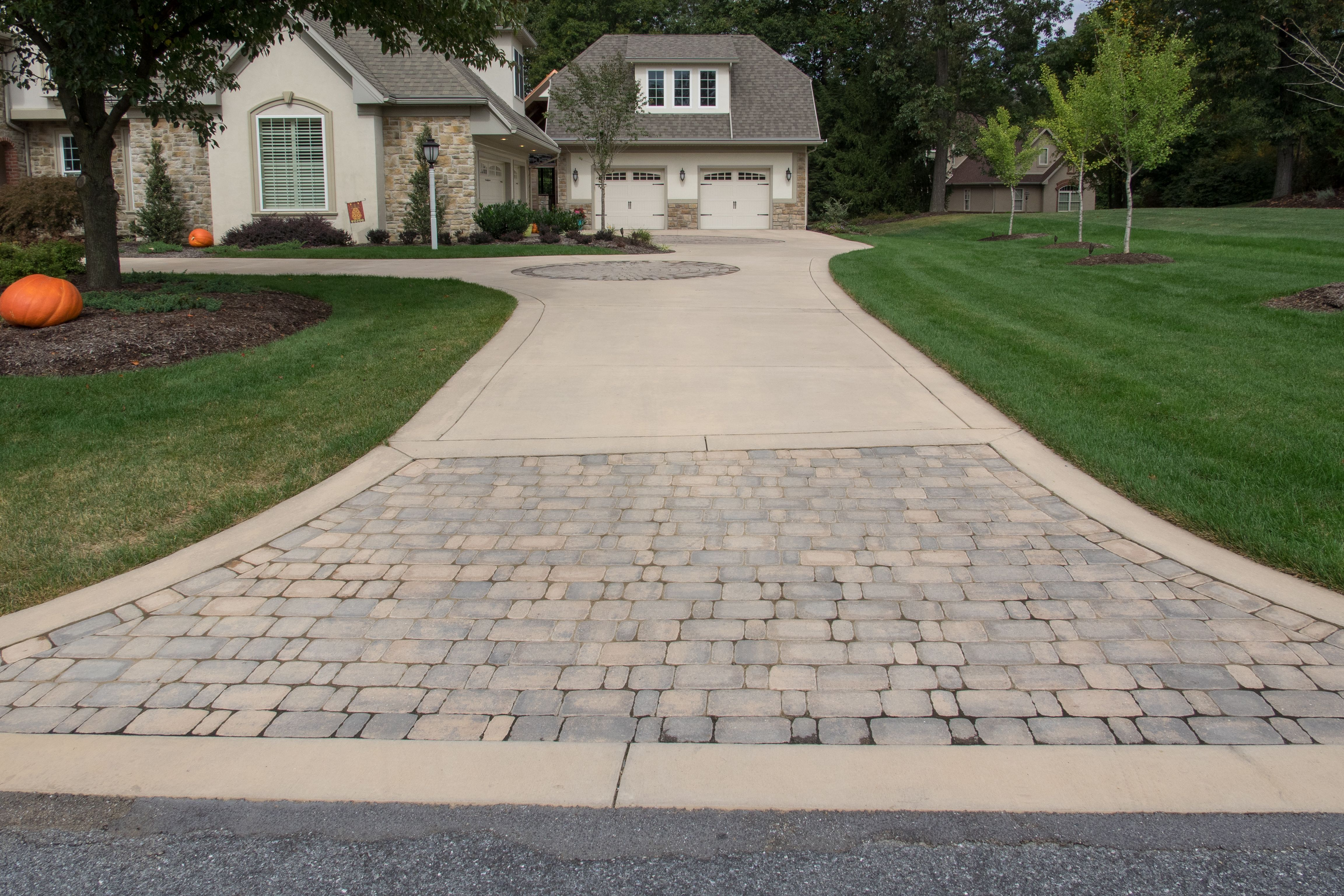 Image Result For Colored Concrete Driveway Concrete Driveways Driveway Apron Driveway