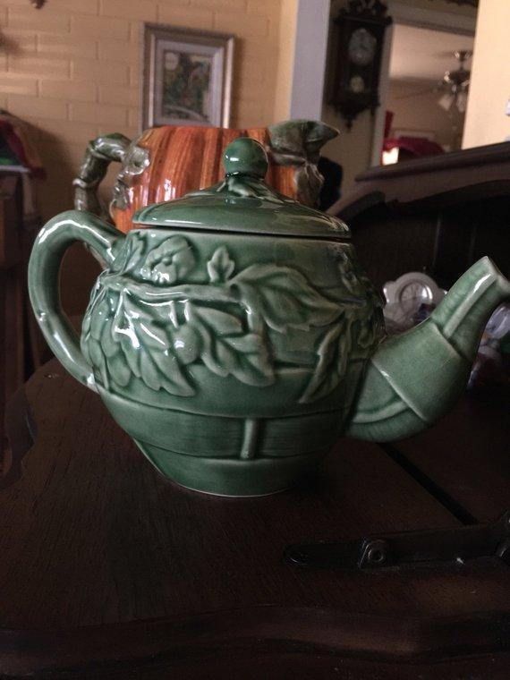 Photo of Green Ivy Leaf Grape Majolica like Teapot