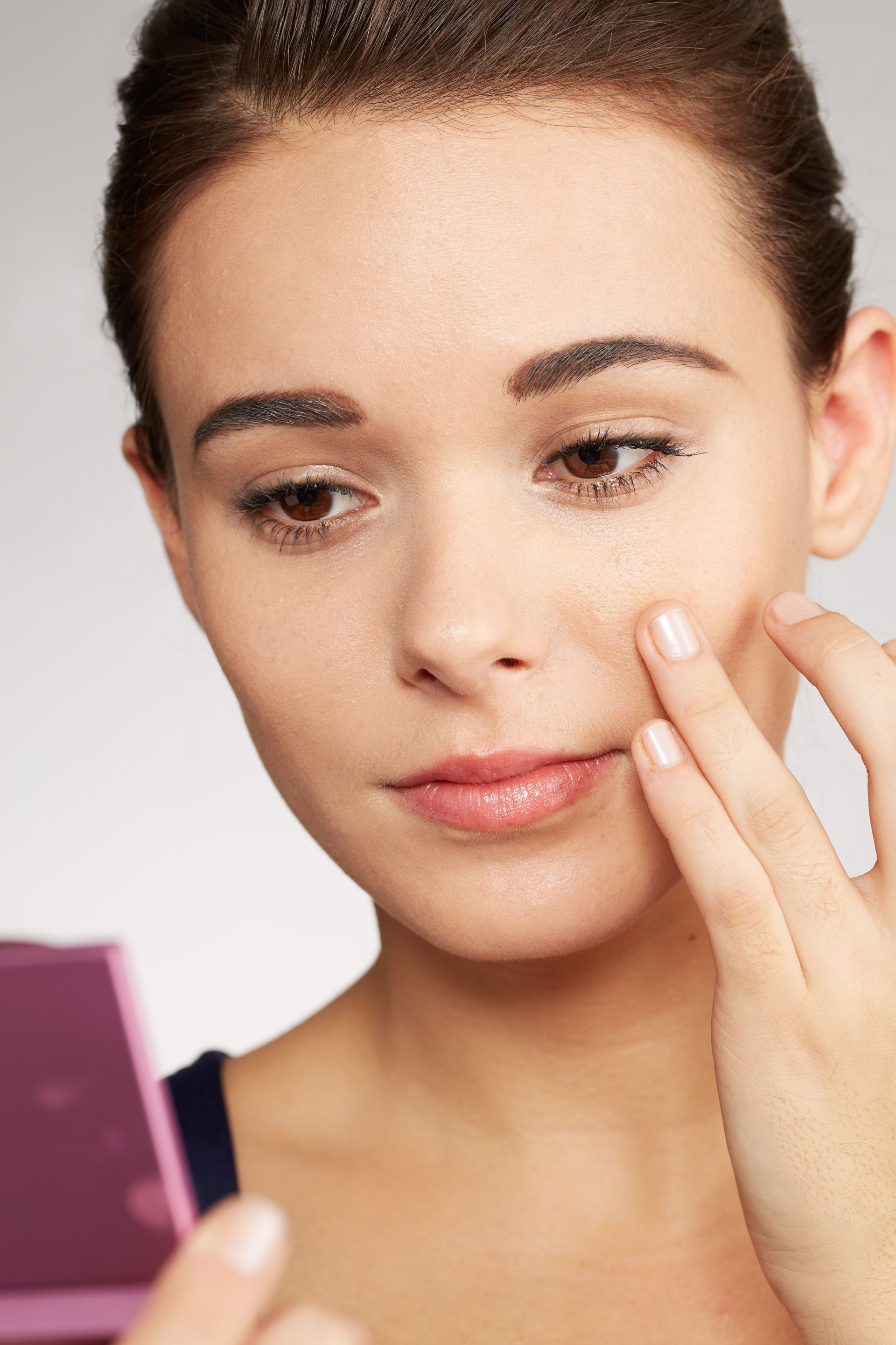 Your StepByStep Guide to Covering Acne With Makeup