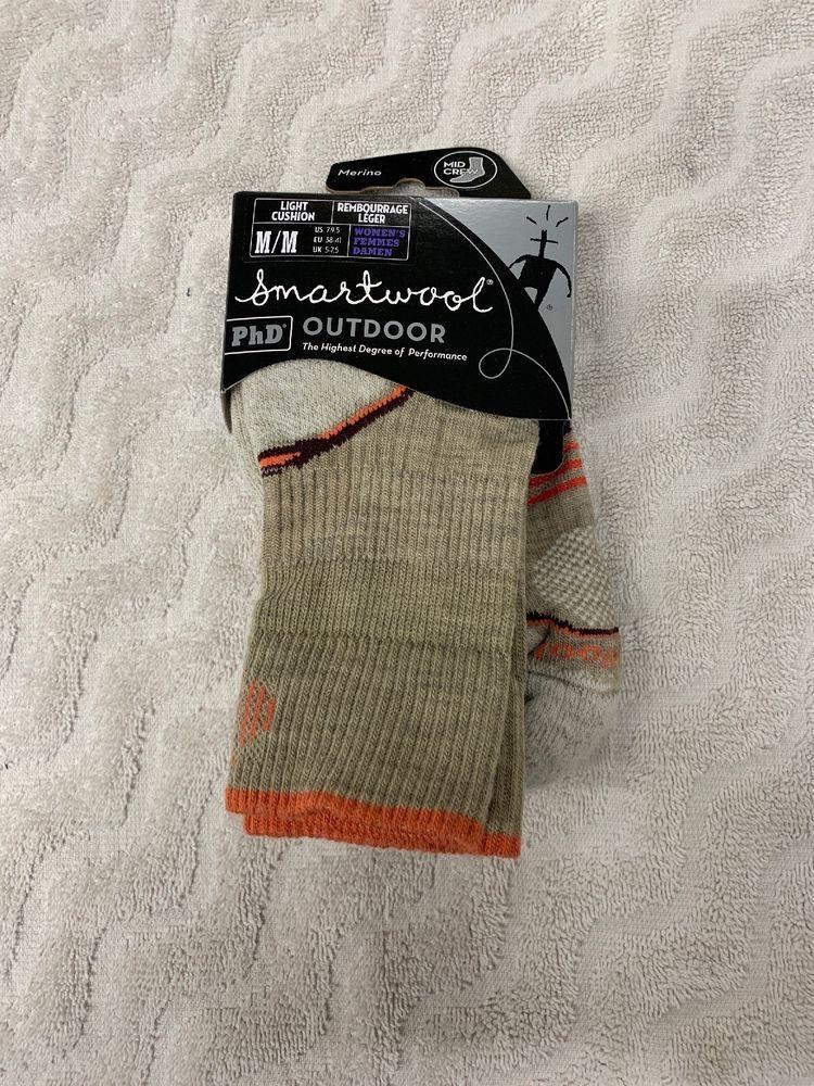 cee1119d2 NEW Smartwool Womens PhD Outdoor Light Mid Crew Socks Medium Oatmeal ...