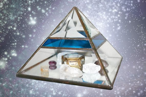 Pyramid of Light // Glass Display case by FeelingVagueVintage