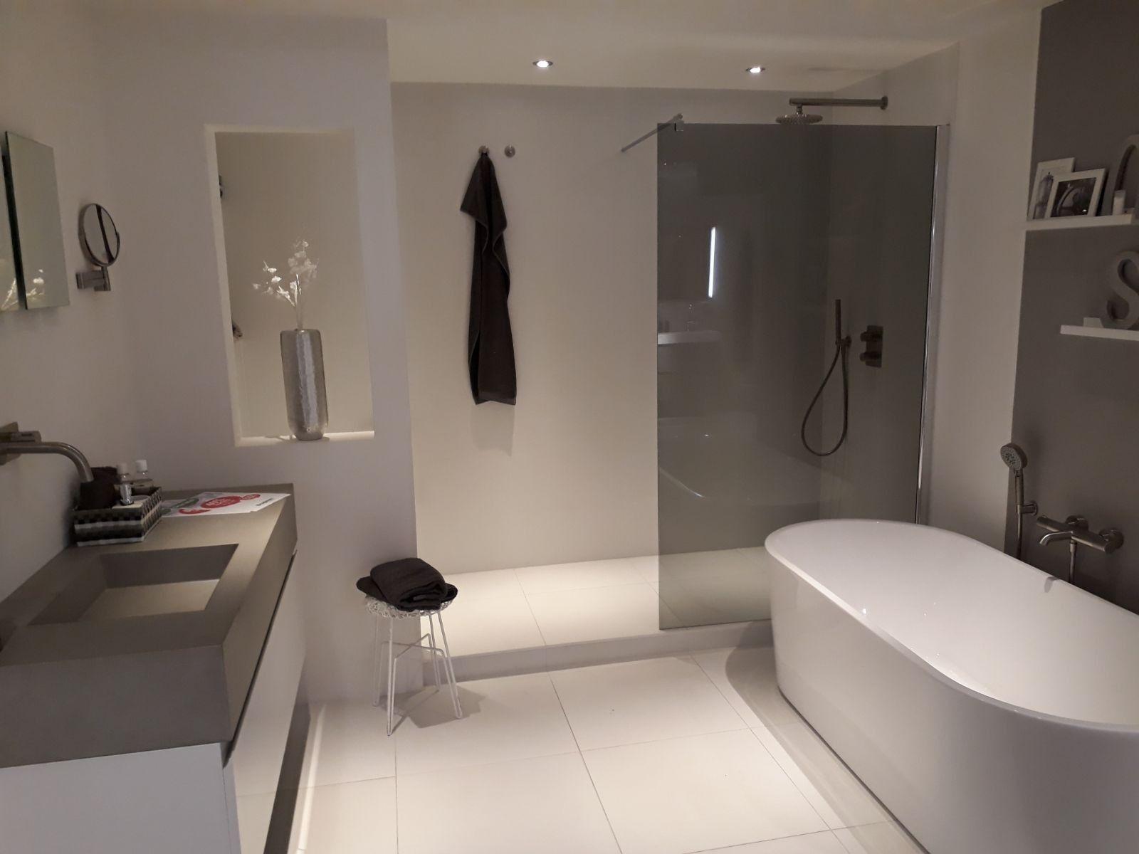 Bagni Da Sogno Moderni : Pin di andi nei su bad bagno bagni e idee