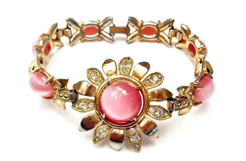 Vintage Stunning Fuschia Hot Pink Glass Cabochon Silvertone Pendant Necklace
