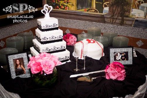 Black Wedding Decoration Cake Table
