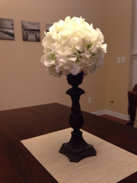 How to make a kissing ball pompadour centerpiece from