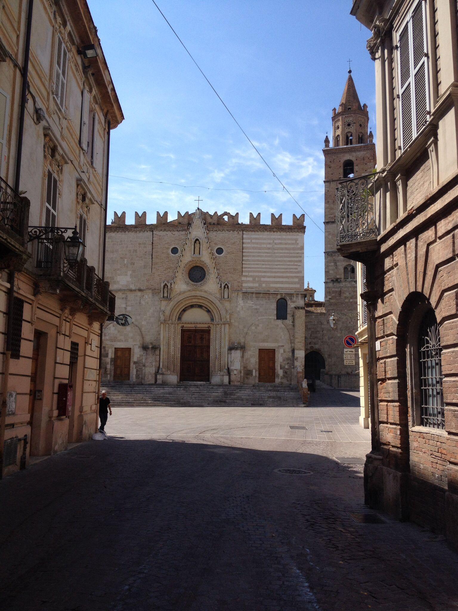 Teramo, Il Duomo. There's no place like home. Abbruzzo, Italy