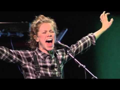 Bethel Music Moment: Spontaneous Worship - Steffany Gretzinger + Josh Baldwin - YouTube